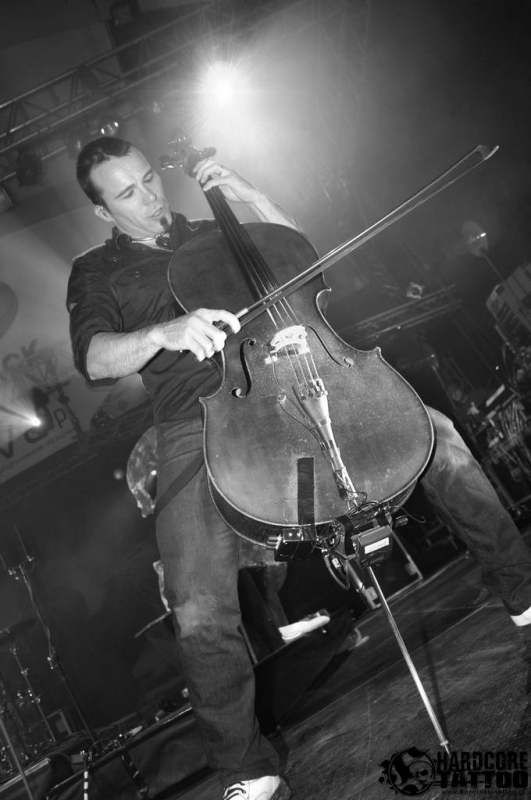 apocalyptica_knock_out_festival_krakw_2009_20090713_1218439489