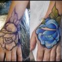 dłoń cover róza niebieska